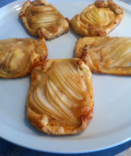 tartelette fine, poires, poudre d'amande, vergeoise blonde, pâte feuilletée