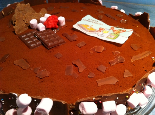 entremets,dacquoise noix,feuillantine,pralinoise,mousse caramelia,valhrona,cacao,guimauve,chamallow