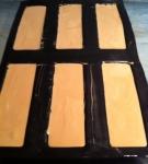 bûchette,dacquoise,noisette,feuillantine,praliné,mousse caramelia,noel,valrhona