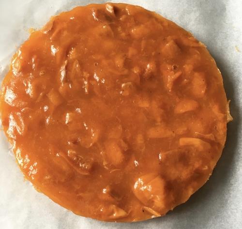 entremets, compotée, abricots, dacquoise, coco, mousse vanillée