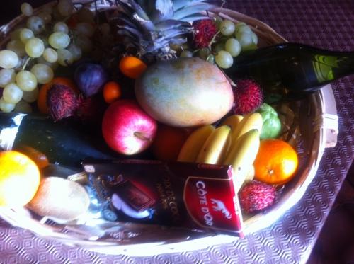 christophines,noix,kumquat,rangoustan,pomme,poire,ananas,mangue,fruit de la passion
