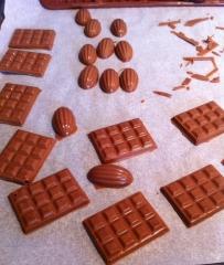 entremets, croustillant Gianduja, disque de chocolat, jivara, caramelia, coulis de poires gélifié, mousse caramelia, chips de poires, tuiles de poires, chocolat, relais desserts, concours, meilleur blog